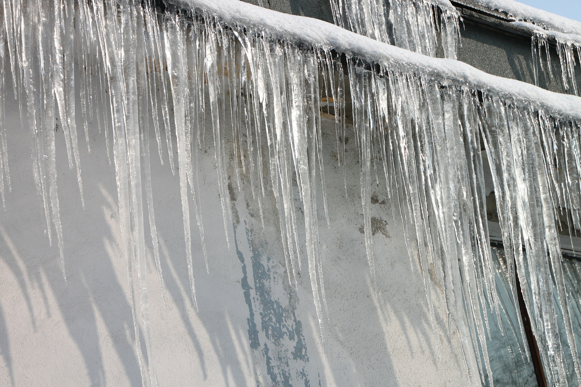 4 Tips to Avoid a Costly Winter Plumbing Leak