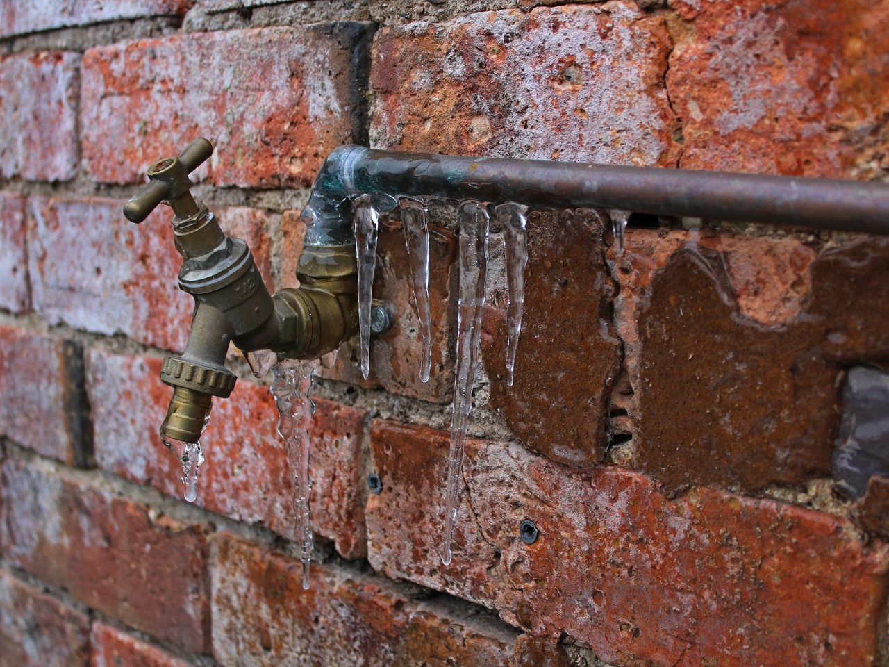 Tips to Prevent Water Damage in Your Home This Winter